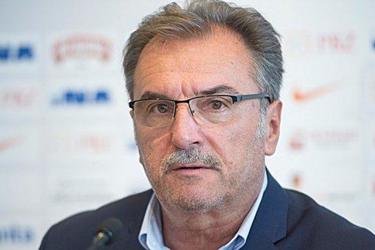 Ante Čačić sa banerom
